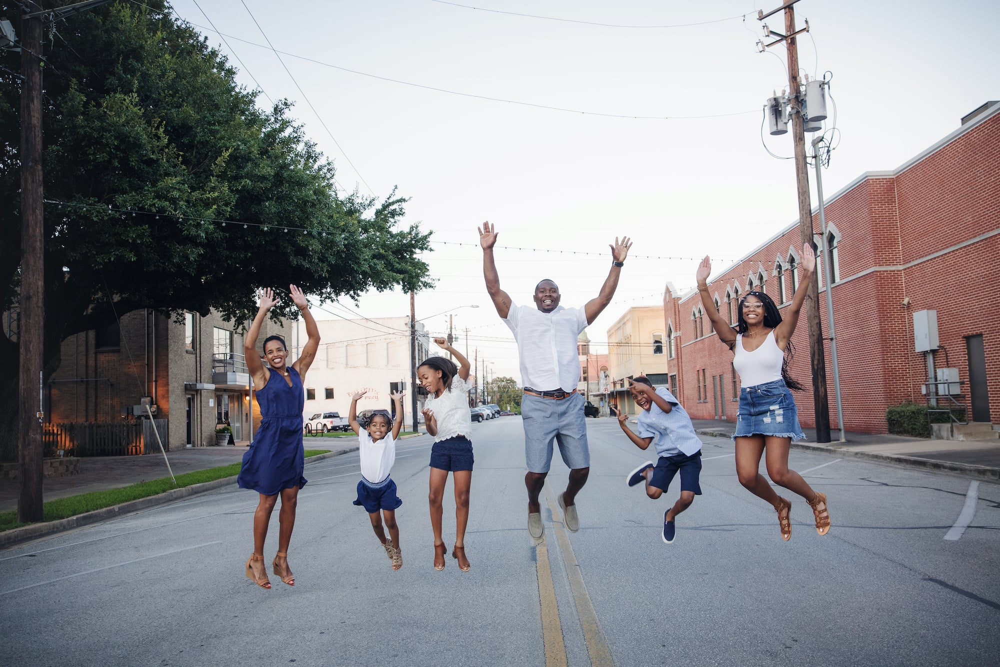 Family session jumping